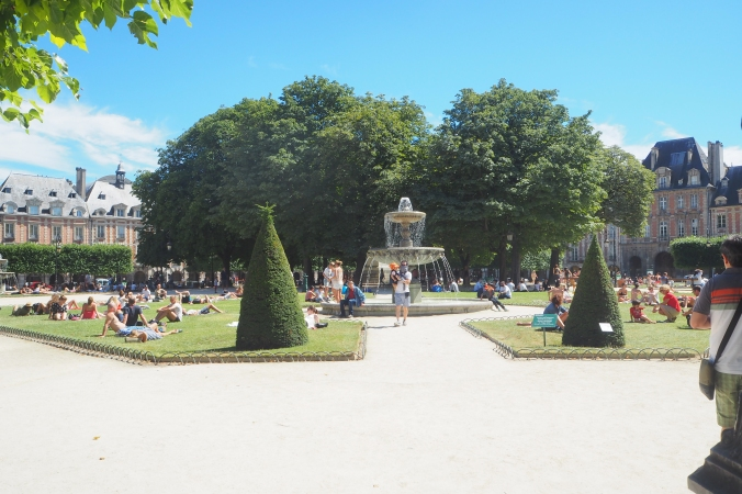 Square Louis XIII.