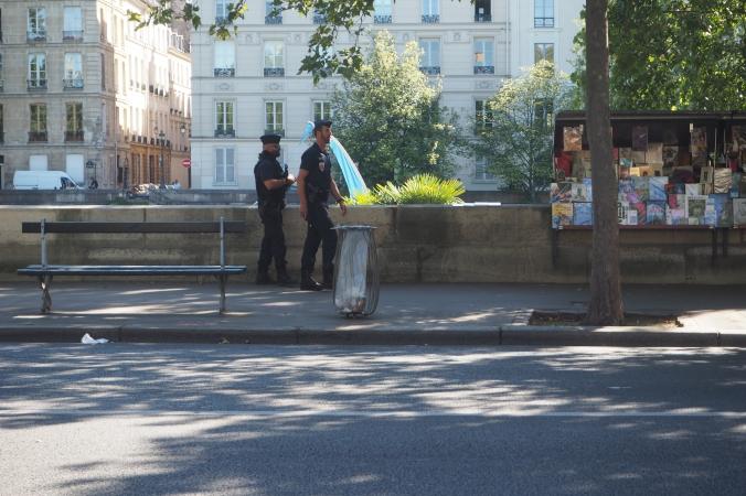 Normal street scene in Paris